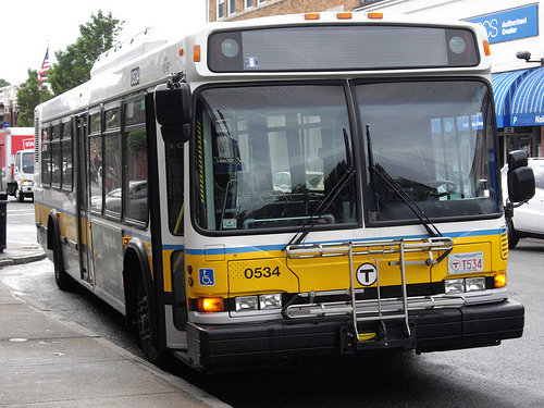 Boston Bus by bradless9119 (Flickr)